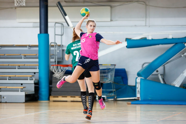 Comment choisir des chaussures de handball pour femme quand on débute ?