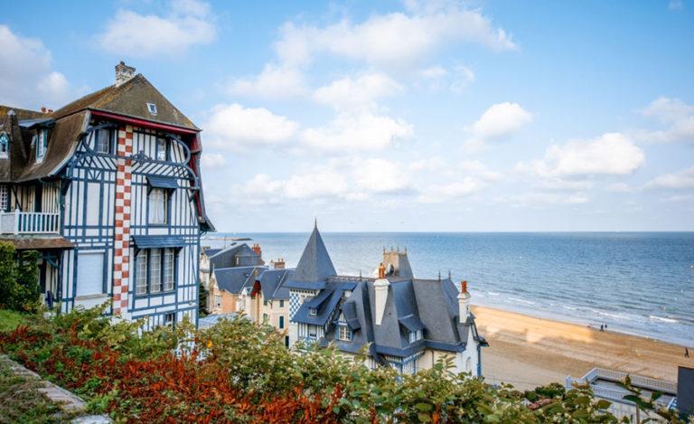 Location de biens immobiliers de luxe à Deauville avec Pierre-Flore