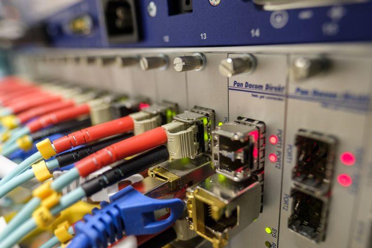 La fibre optique : le meilleur moyen de profiter d'internet à haut débit?