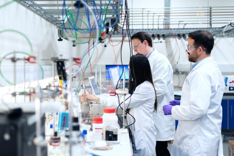 Comment prévenir les risques chimiques en entreprise ?